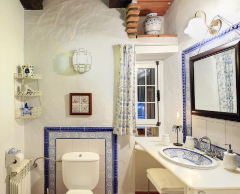 Cortijo La Hoya | Best Place To Stay in Tarifa, Spain | Casa Sol Bathroom