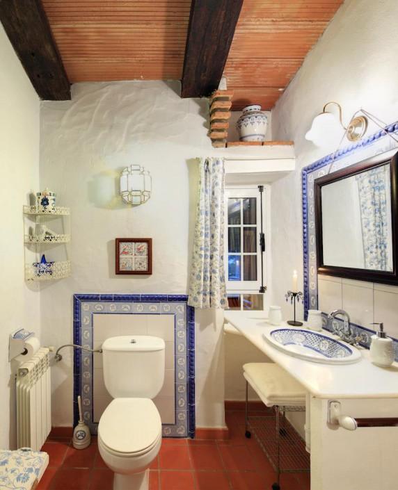 Cortijo La Hoya | Best Place To Stay in Tarifa, Spain | Casa Sol Bathroom